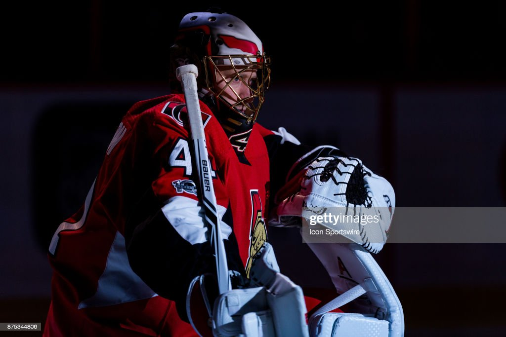 Ottawa Senators Goalie Craig Anderson (41) is announced in the spotlight before first period National Hockey League action between the Pittsburgh Penguins and Ottawa Senators on November 16, 2017, at Canadian Tire Centre in Ottawa, ON, Canada.