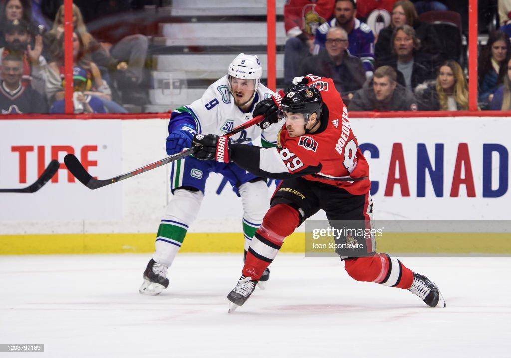 NHL: FEB 27 Canucks at Senators : Foto di attualità