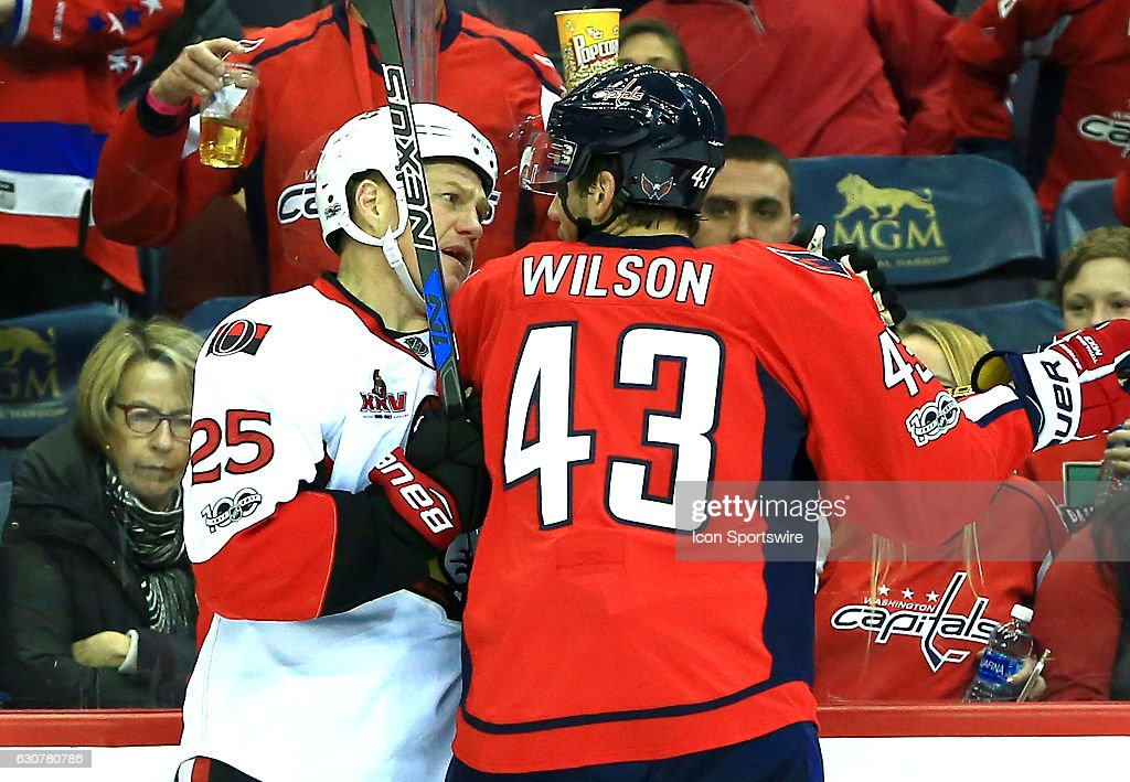 NHL: JAN 01 Senators at Capitals : News Photo