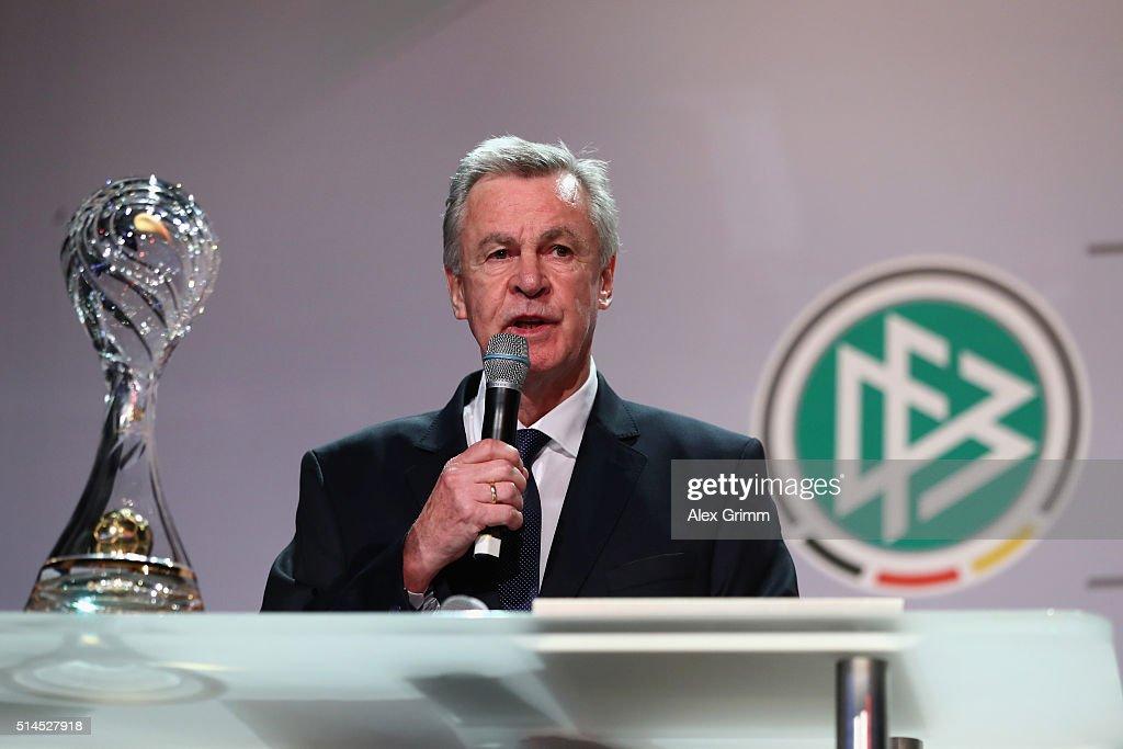 Coaching Award Ceremony & Closing Event UEFA Pro Coaching Course 2015/2016