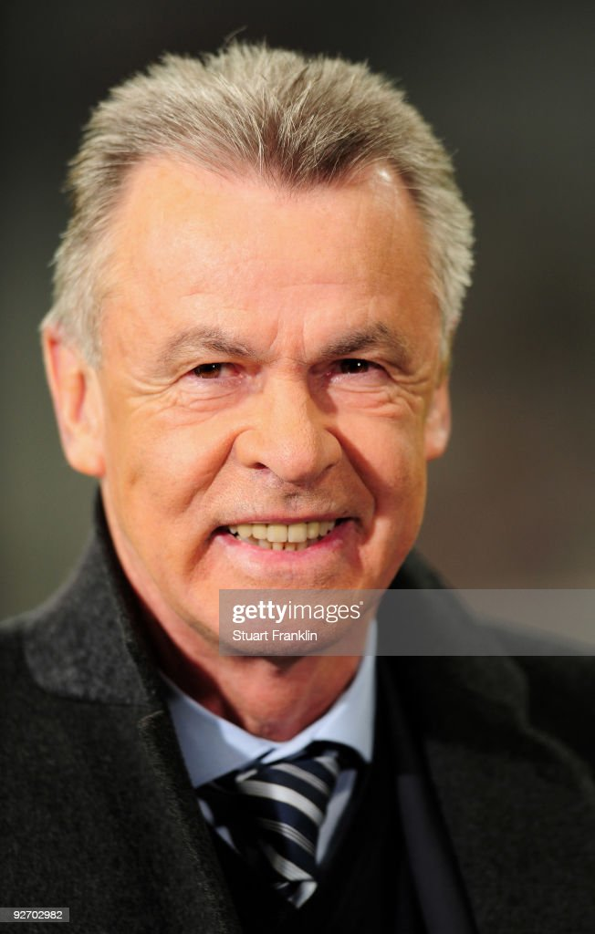 Ottmar Hitzfeld, head coach of Switzerland's national football team during the UEFA Champions League Group A match between FC Bayern Muenchen and Bordeaux at Allianz Arena on November 3, 2009 in Munich, Germany.