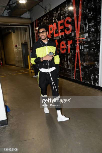 Otto Porter Jr #22 of the Chicago Bulls arrives to the game against the LA Clippers on March 15 2019 at STAPLES Center in Los Angeles California NOTE...
