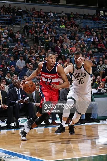 Otto Porter Jr #22 of the Washington Wizards drives to the basket during a game against the Milwaukee Bucks on January 8 2017 at the BMO Harris...