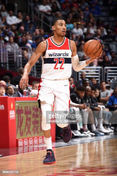 Otto Porter Jr #22 of the Washington Wizards handles the ball during the game against the LA Clippers on December 9 2017 at STAPLES Center in Los...