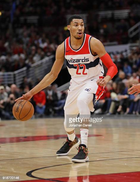 Otto Porter Jr #22 of the Washington Wizards looks over the defense against the Chicago Bulls at the United Center on February 10 2018 in Chicago...