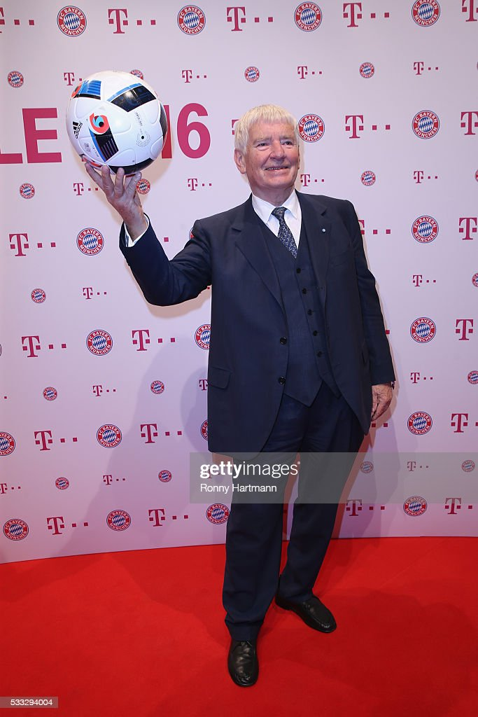 Otto Schily arrives for the FC Bayern Muenchen champions party at Deutsche Telekom's representative office on May 21, 2016 in Berlin, Germany.