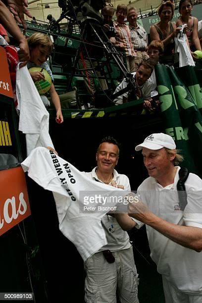 Otto Waalkes Fans ProminentenDoppel mit R o b e r t o B l a n c o ATPTurnier 15 Gerry WeberOpen Tennis Turnier Halle Westfalen Europa Rasenplatz...