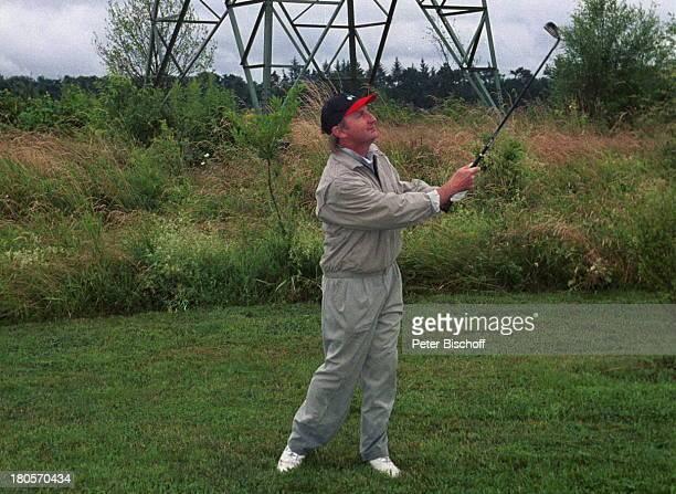 Otto Waalkes Radio Regenbogen Golf CupWohltätigkeitsTurnier für Children ForTomorrow Golfplatz ScheibenhardtKarlsruhe Baseballmütze Golfschläger