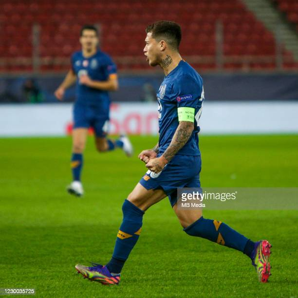 Otávio of FC Porto celebrating his goal during the UEFA Champions League Group C stage match between Olympiacos FC and FC Porto at Karaiskakis...