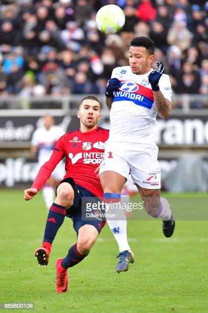 Oualid El Hajjam of Amiens and Memphis Depay of Lyon during the Ligue 1 match between Amiens SC and Olympique Lyonnais at Stade de la Licorne on...