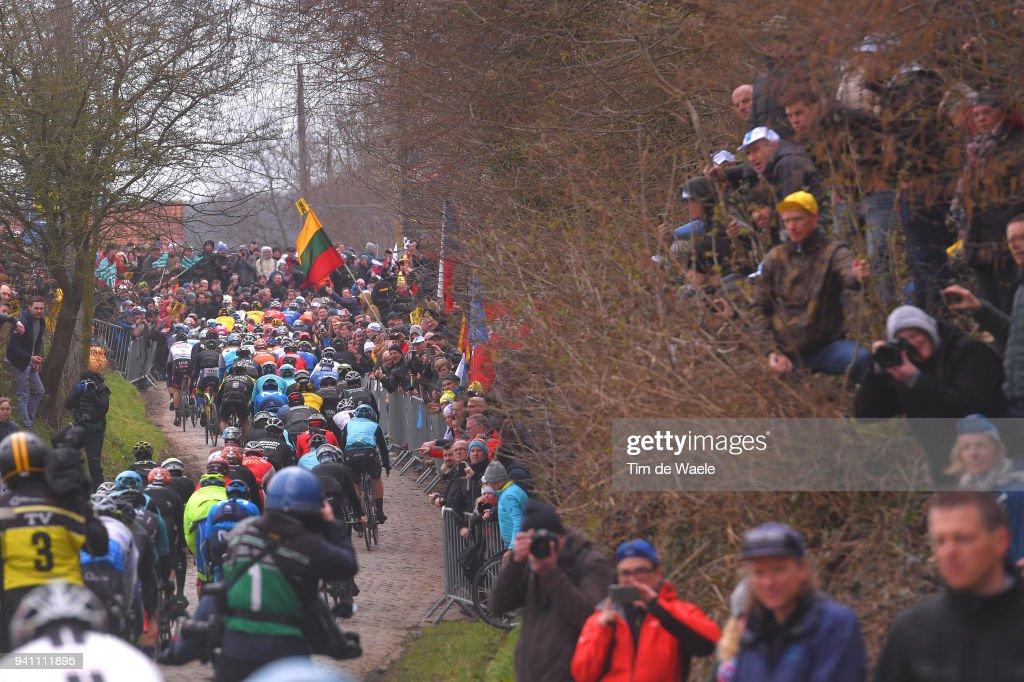 Oude Kwaremont / Peloton / Fans / Public / during the 102nd Tour of Flanders 2018 - Ronde Van Vlaanderen a 264,7km race from Antwerpen to Oudenaarde on April 1, 2018 in Oudenaarde, Belgium.