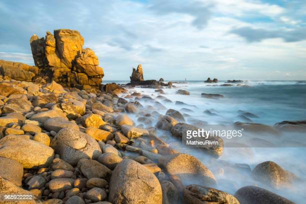 ouessant : la pointe de pern - flowing cape stock pictures, royalty-free photos & images