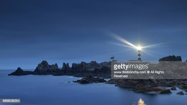 ouessant lighthouse in brittany - leuchtturm stock-fotos und bilder