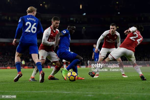 Oumar Niasse of Everton and Shkodran Mustafi challenge for the ball during the Premier League match between Arsenal v Everton at Emirates Stadium on...