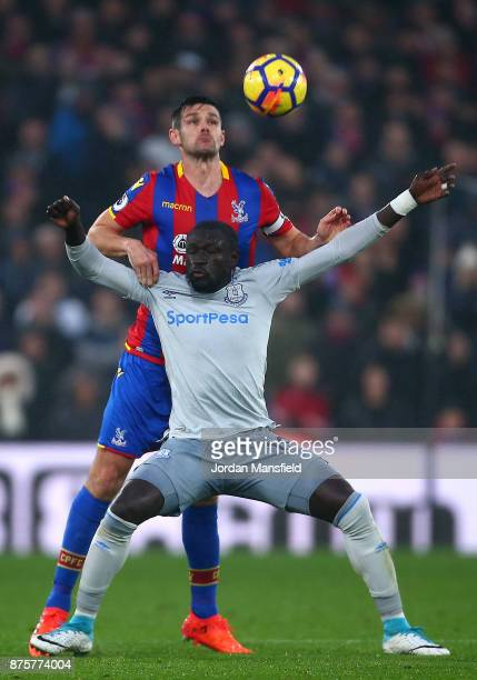 Oumar Niasse of Everton controls the ball under pressure of Scott Dann of Crystal Palace during the Premier League match between Crystal Palace and...