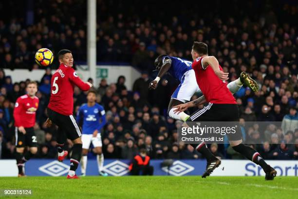Oumar Niasse of Everton heads the ball towards the goal during the Premier League match between Everton and Manchester United at Goodison Park on...
