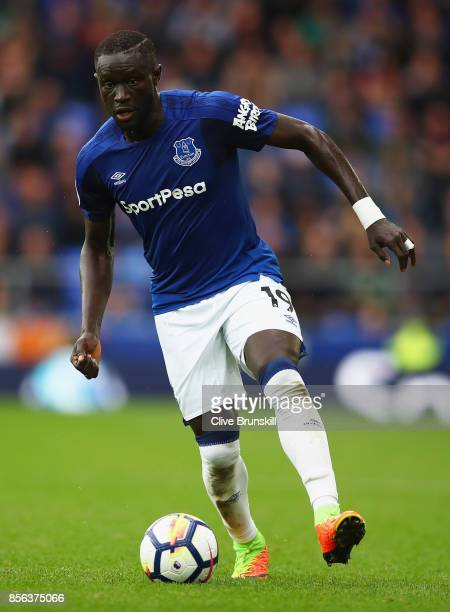 Oumar Niasse of Everton in action during the Premier League match between Everton and Burnley at Goodison Park on October 1 2017 in Liverpool England