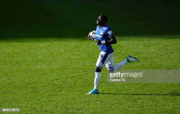 Oumar Niasse of Everton runs back with the ball after scoring during the Premier League match between Everton and Arsenal at Goodison Park on October...
