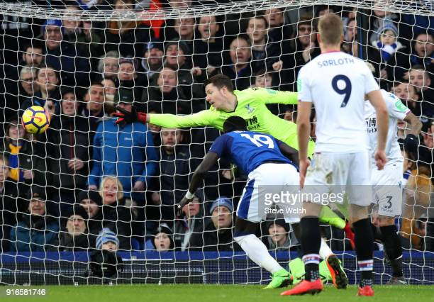 Oumar Niasse of Everton scores his side's second goal during the Premier League match between Everton and Crystal Palace at Goodison Park on February...