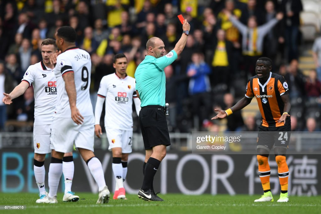 Oumar Niasse of Hull City is shown a red card during the Premier League match between Hull City and Watford at the KCOM Stadium on April 22, 2017 in Hull, England.