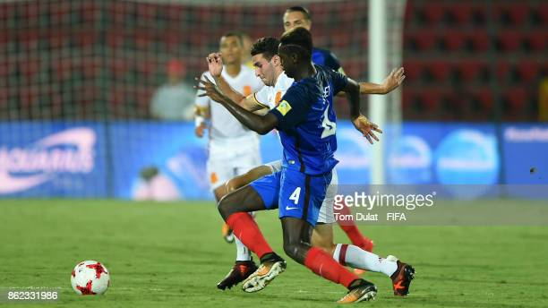 Oumar Solet of France and Abel Ruiz of Spain in action during the FIFA U17 World Cup India 2017 Round of 16 match between France and Spain at Indira...