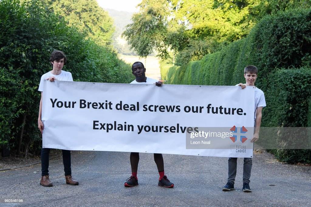 GBR: Our Future, Our Choice Hold Protest At Chequers Ahead Of Government Brexit Summit