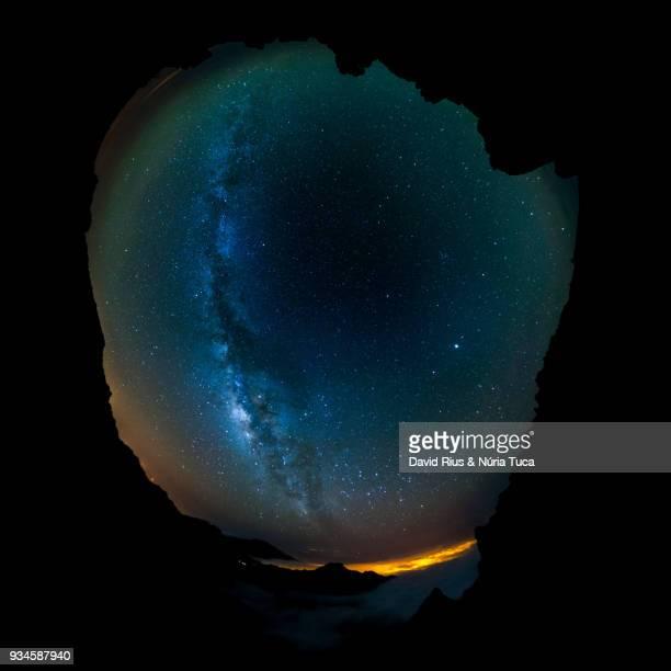 our galaxy, the milky way - 360 fotografías e imágenes de stock