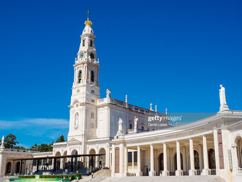 Our Lady Of Fatima 20 High Res Stock Photo Getty Images