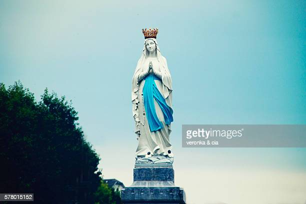 our lady of lourdes - la vierge marie photos et images de collection
