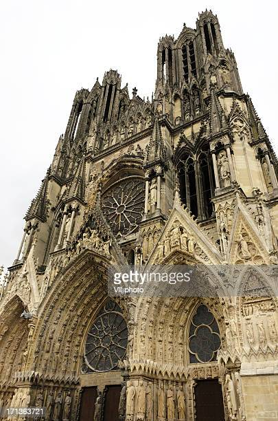 notre-dame de reims - reims cathedral stock pictures, royalty-free photos & images