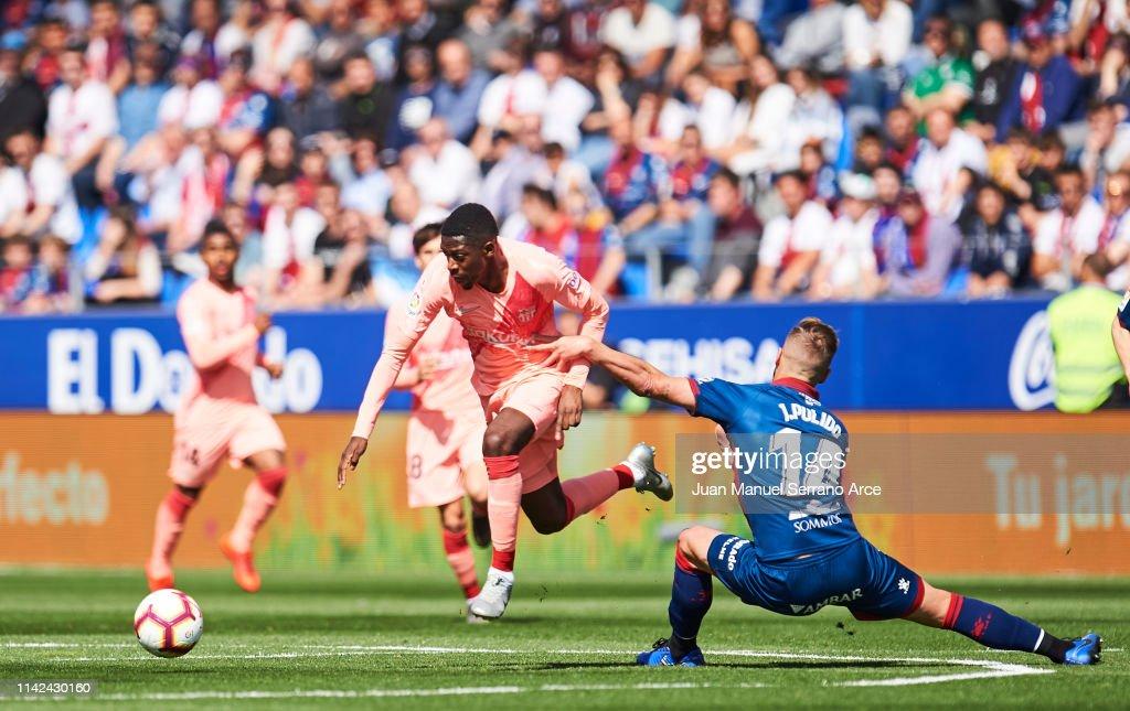SD Huesca v FC Barcelona - La Liga : News Photo