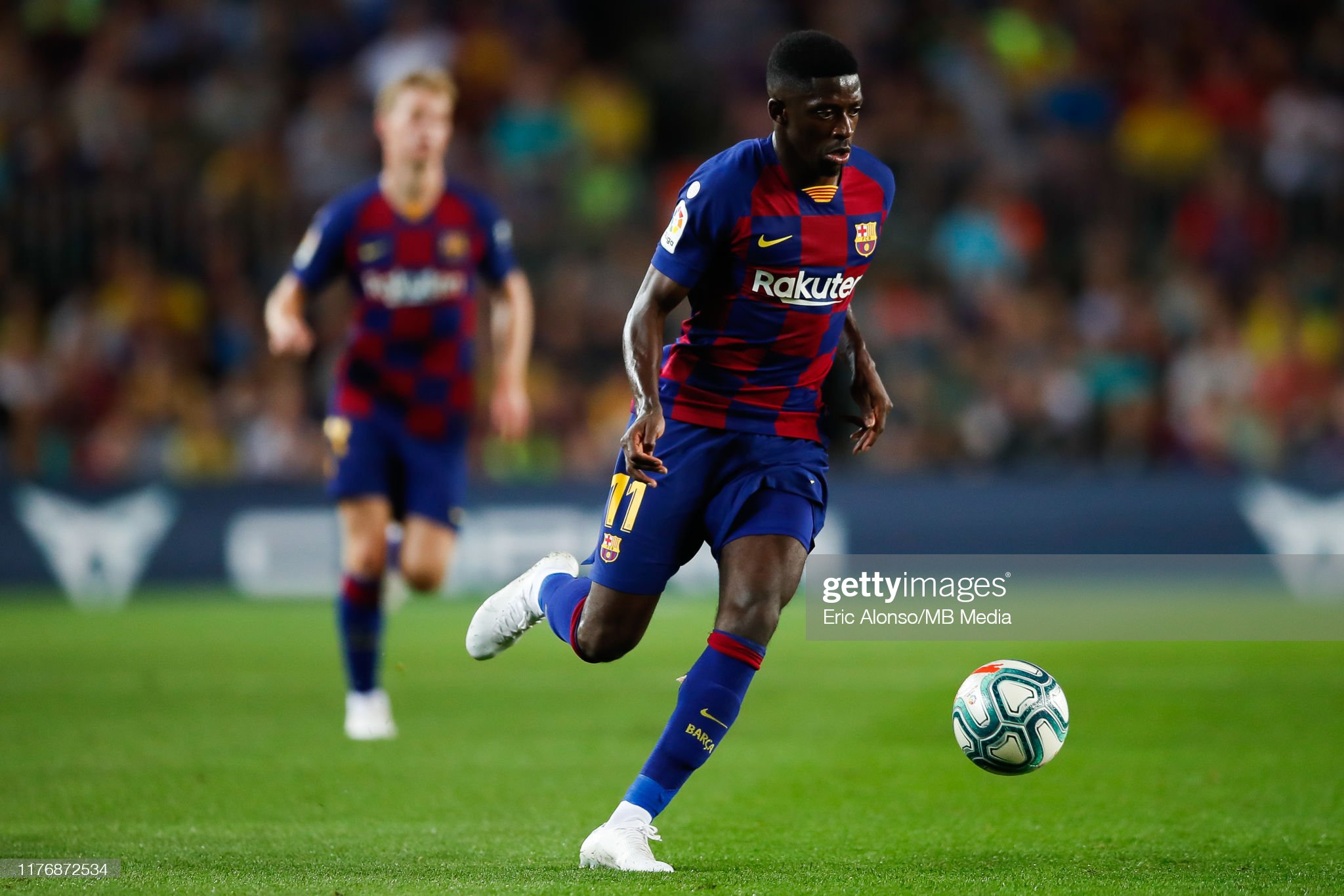 صور مباراة : برشلونة - فياريال 2-1 ( 24-09-2019 )  Ousmane-demebele-of-fc-barcelona-controls-the-ball-during-the-liga-picture-id1176872534?s=2048x2048
