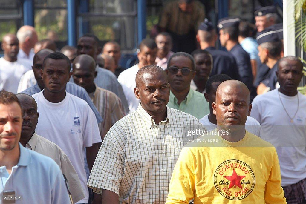 Ousted Anjouan leader Mohamed Bacar (C) : News Photo