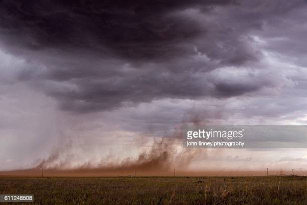 out flow from a thunder storm. strong winds whip up dust in the texas pan handle. texas, usa - great plains stock pictures, royalty-free photos & images