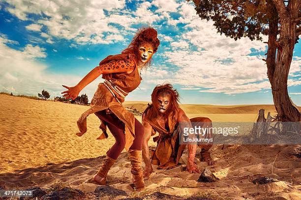 Out of Africa-Humanoids un Lion et Lepoard
