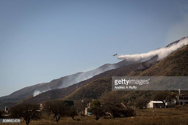 outbreak of fire in the balcony area of the commune san roque arginine working 13 fire crews and 2 firefighting planes