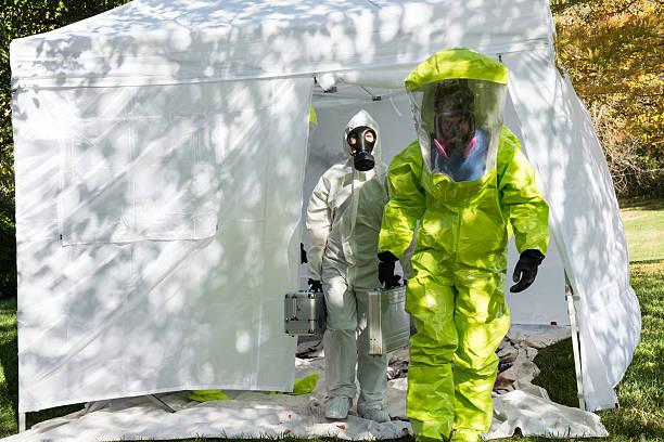 brote - pandemia fotografías e imágenes de stock