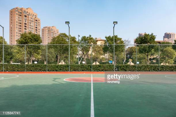 outdoor basketball court - sports court stock pictures, royalty-free photos & images