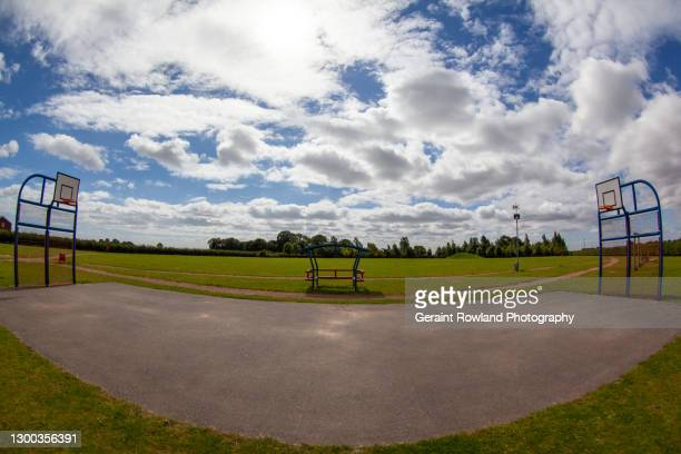 outdoor basketball court - sports league stock pictures, royalty-free photos & images
