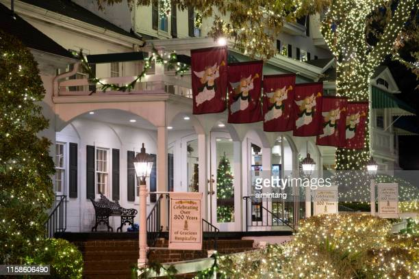 outdoor decoration of william penn inn for holidays - montgomery county pennsylvania stock pictures, royalty-free photos & images