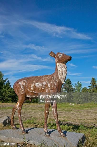 outdoor deer sculpture, becket, berkshire county, the berkshires, massachusetts, new england, usa - 実物大 ストックフォトと画像