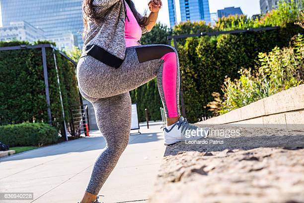 outdoor fitness activities in the city - chicago - usa - big beautiful black women stock photos and pictures