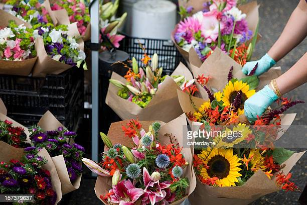 outdoor fresh flowers at farmers street market - large group of objects stock pictures, royalty-free photos & images