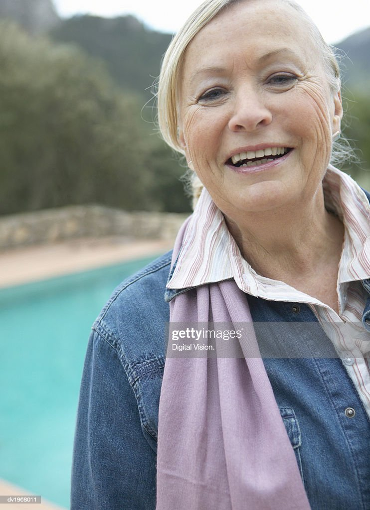 Outdoor Portrait of a Smiling Senior Woman : Stock Photo