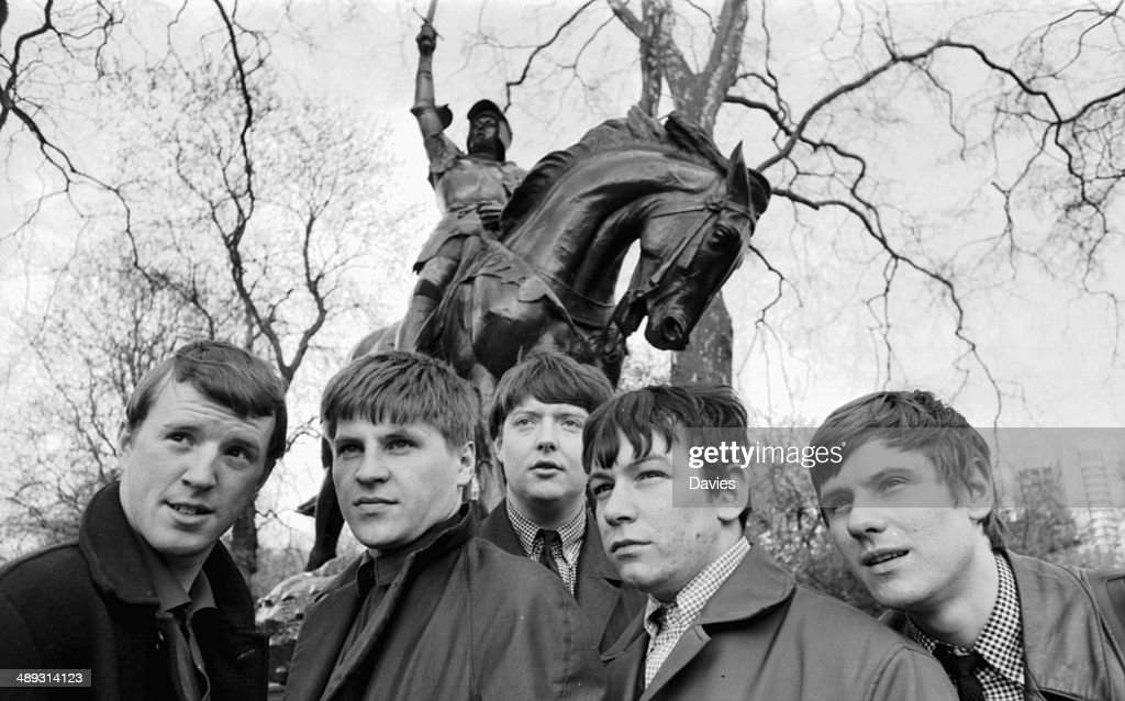 d1b57aee6 Outdoor portrait of the band 'The Animals' John Steel Hilton Valentine Alan  Price Chas