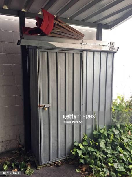 outdoor storage cabinet - rafael ben ari photos et images de collection