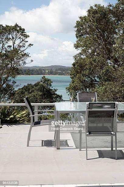 outdoor table setting  - heidi coppock beard stock-fotos und bilder