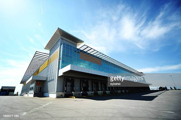 outdoor warehouse - building exterior stock pictures, royalty-free photos & images