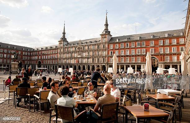 outdoors dinning at major plaza of madrid, spain - madrid stock pictures, royalty-free photos & images