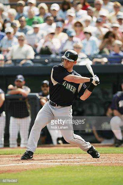 Outfielder Chris Snelling of the Seattle Mariners bats against the San Diego Padres during a Spring Training game on March 3, 2005 at Peoria Stadium...